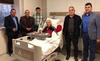 Sapanca AK Parti İlçe Teşkilatı hastaları ziyaret etti