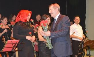Kadınlar Gününde Muhteşem Türk Halk Müziği Konseri