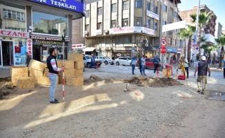 Karasu Atatürk Bulvarındaki Çalışmalar Devam Ediyor