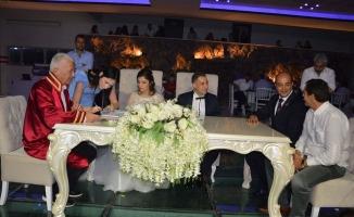 Başkan Mesai Arkadaşının Nikahını Kıydı
