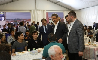 Lütfi Bayraktar; MBD Çadırında orucunu açtı