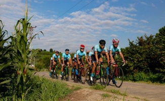 Büyükşehirli Bisikletçiler Milli formayla pedal çevirecek