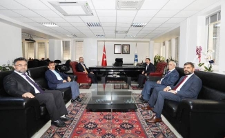 Vali Balkanlıoğlu'ndan SAÜ Rektörlüğüne Atanan Prof. Dr. Savaşan'a Ziyaret
