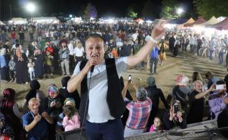 Karadeniz'in ünlü sanatçıları; hafta sonu Sakarya'yı coşturdu