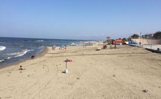 Karasu'da suyun rengi değişti, denize girmek yasaklandı