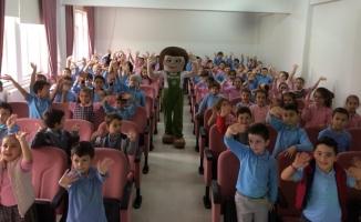 İlkokul öğrencileri Tomurcuk'la tanıştı