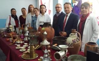 Türk-İş öğrencilerinden Etnografik sergi