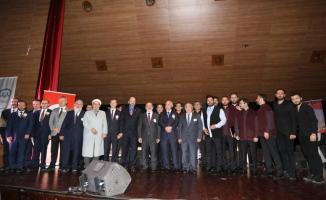 """Vali Nayir """"Peygamberimiz ve Gençlik Konferansı""""na Katıldı"""