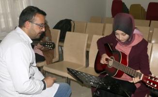 Müziğe gönül verenler SAMEK'te buluşuyor