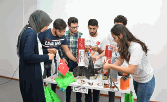 Sakarya Üniversitesi Öğrencilerinin, Hedefi Roket ve Uydu Üretimi