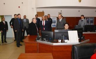 Vali Nayir Kent Güvenlik Yönetim Merkezinde İncelemelerde Bulundu