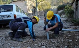 Geyve Hacılar'da altyapı yenilendi