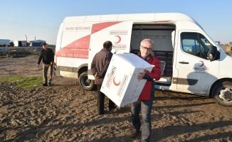 Karasu Kızılay Şubesinden Çadırı Yanan Aileye Yardım