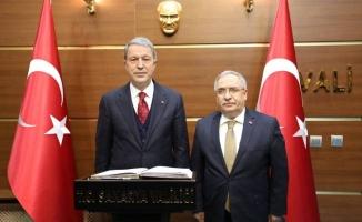 Milli Savunma Bakanı Hulusi AKAR Vali Ahmet Hamdi NAYİR'i Ziyaret etti