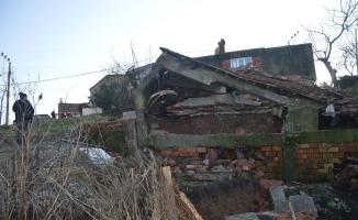 Sakarya'da Heyelan Tehlikesi 20 Ev Riskli Olduğu İçin Mühürlendi