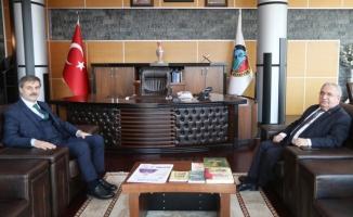 Vali Nayir'den Serdivan Belediyesine iade-i Ziyaret