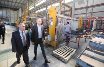 Vali Nayir Arma Filtre Fabrikasında İncelemelerde Bulundu