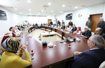 Farklı Coğrafyaların Halk Oyunları Ekiplerinden Vali Nayir'e Ziyaret