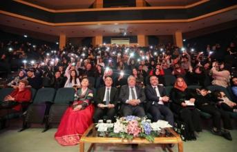 Vali Nayir Kore Geleneksel Müzik ve Dans Gösterisi Programına Katıldı