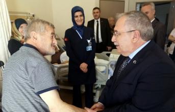 Vali Nayir SEAH'ta Yatan Hastaları Ziyaret Etti