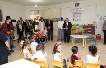 Vali Nayir'den Şeker Anaokulu ve Sakarya Güzel Sanatlar Lisesine Ziyaret