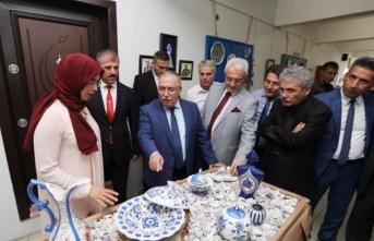 Yenikent Halk Eğitimi Merkezi Müdürlüğünün Yılsonu Sergisi Açıldı