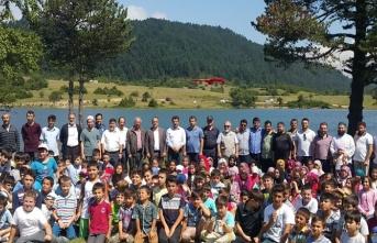Taraklı'da Yaz Kura'an Kursuna katılanlar karagölde piknik yaptılar