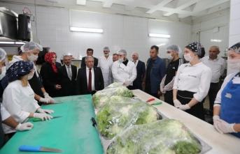 Vali Nayir Sezginler Mesleki ve Teknik Anadolu Lisesini Ziyaret Etti