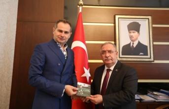 Akif Yener Vali Ahmet Hamdi Nayir i ziyaret etti
