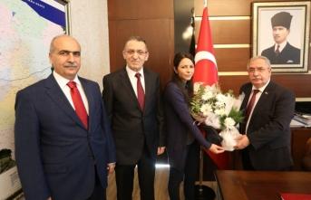 PTT Başmüdürlüğünden Vali Nayir'e Yıldönümü Ziyareti