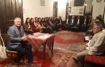 Taraklı'da Fahri Tuna'dan Bol Kahkahalı Edebiyat Söyleşisi
