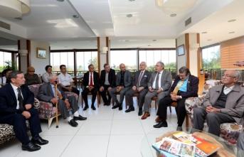 Vali Nayir Huzurevi Sakinleriyle Kahvaltıda Buluştu