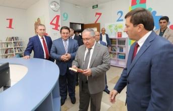 Vali Nayir'den Adapazarı İmam Hatip Ortaokuluna Ziyaret
