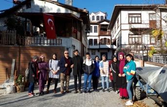 Yazarlık Mektebi Öğrencilerinden İpekyolu Kültür Gezisi