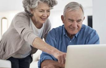 İnternette yaşlılara da yer var