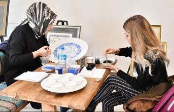 Osmanlı'nın Kültürü Sanatı ve Sokaktaki Yaşamı Anlatıldı