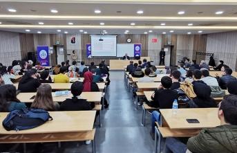 Vali Nayir Vali-Öğrenci Buluşmasında Tecrübelerini Paylaştı