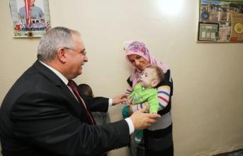 Vali Nayir'den Yusuf bebeğin ailesine ziyaret