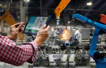 Üretimde Artırılmış Gerçeklikle Geleceğin Fabrikasına Dönüşün