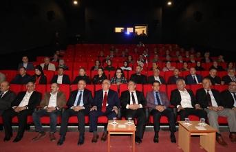 """Vali Nayir """"Deprem Duyarlılığı"""" Konulu Panele Katıldı"""