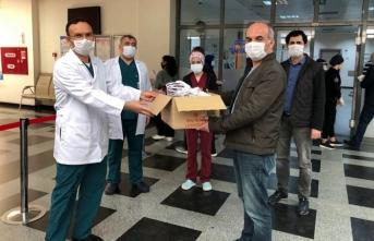Mehmet Zumra Kuş Ortaokulu'ndan sağlık çalışanlarına destek