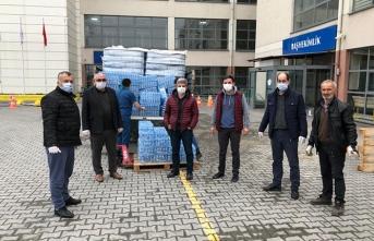 Trabzonlular Derneği'nin sağlıkçalışanlarına yardımları sürüyor