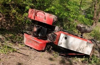 Traktörün altında can verdi