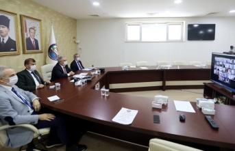 Vali Nayir İlçe Kaymakamlarıyla Videokonferans Yöntemiyle Görüştü