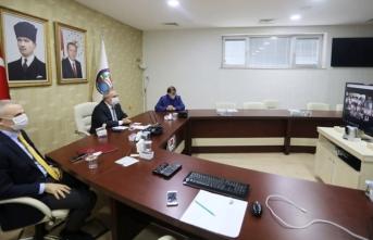 Vali Nayir Kaymakamlar ile Videokonferans Toplantısı Gerçekleştirdi