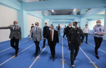 Vali Nayir Yeni Stattaki Spor Kompleksinde İncelemelerde Bulundu