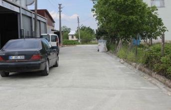 Arifiye'de Beton Yol Yapım Çalışmaları Tüm Hızıyla Sürüyor
