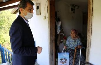 Başkan Acar'dan Anneler Günü ziyareti