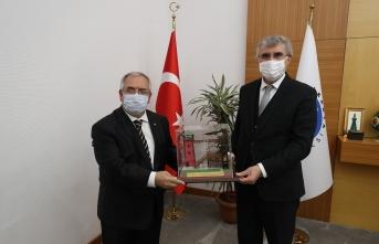Başkan Yüce'den Vali Nayir'a hizmet teşekkürü