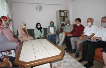 Hendek'teki Olayda Anne veya Babasını Kaybeden Öğrencilere Durmuş'tan Anlamlı Ziyaretler